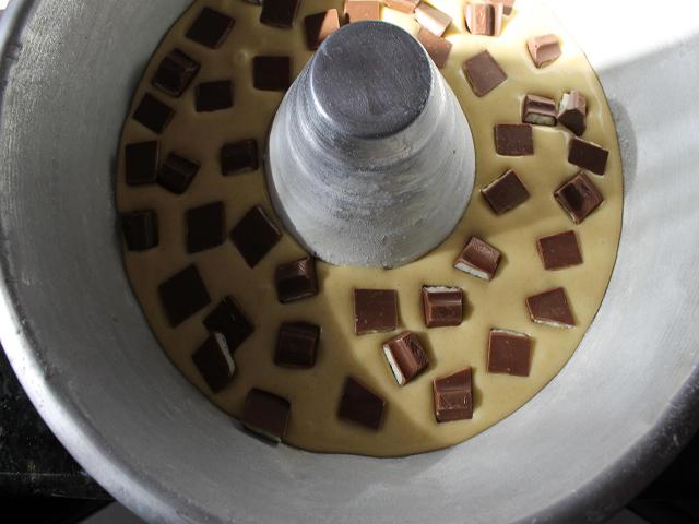 Eccezionale Ciambella soffice con cioccolato Kinder - BurroFuso OB16
