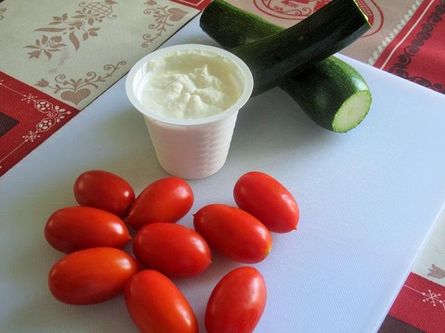 pasta-zucchine-pomodirini-ricotta
