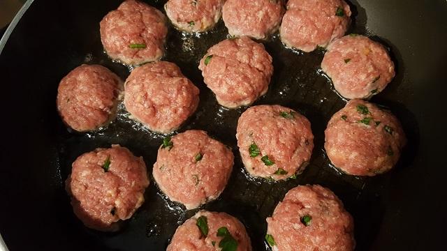 preparazione-polpette-di-carne (5)