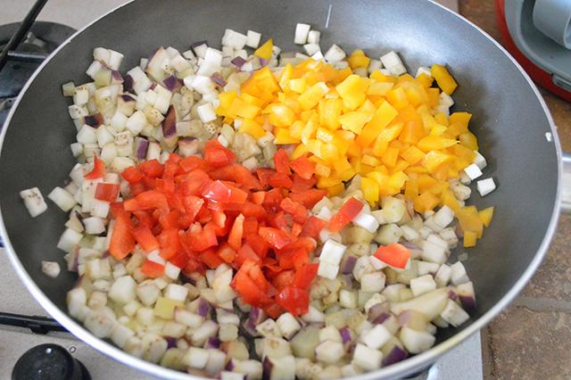 Torta salata con verdure e maionese nell'impasto02