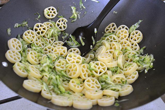Pasta con le zucchine 4