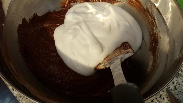 preparazione-torta-pere-e-cioccolato-8