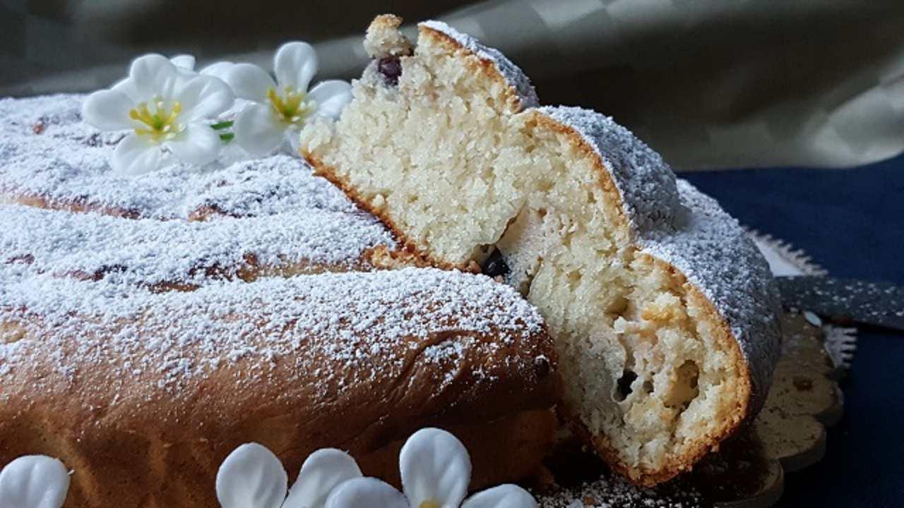 torta di amarene alla russa