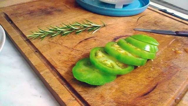 pomodori verdi fritti