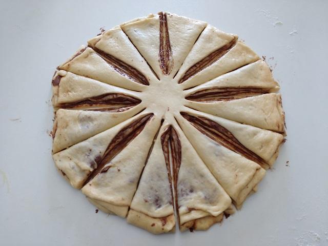 preparazione fiore di pan brioche alla nutella 15