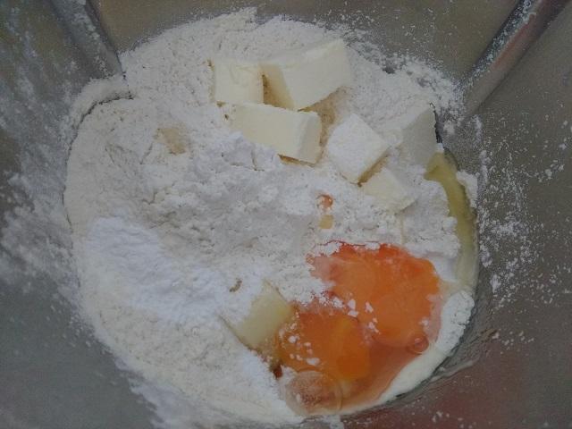 preparazione crostata di ricotta 2