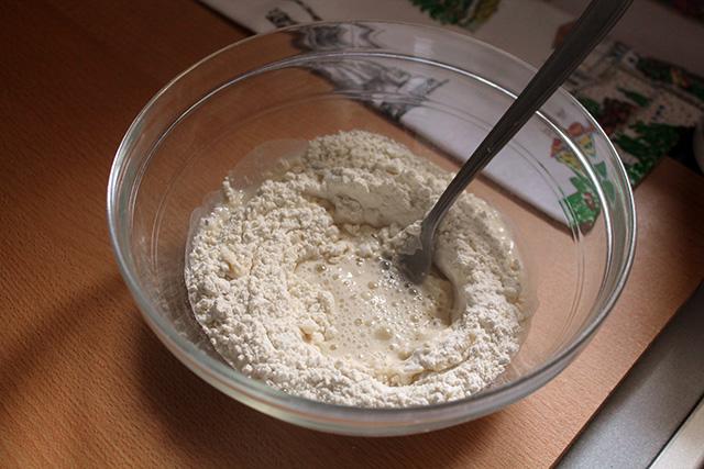 farina sale e acqua