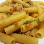 pastasciutta con fiori di zucca