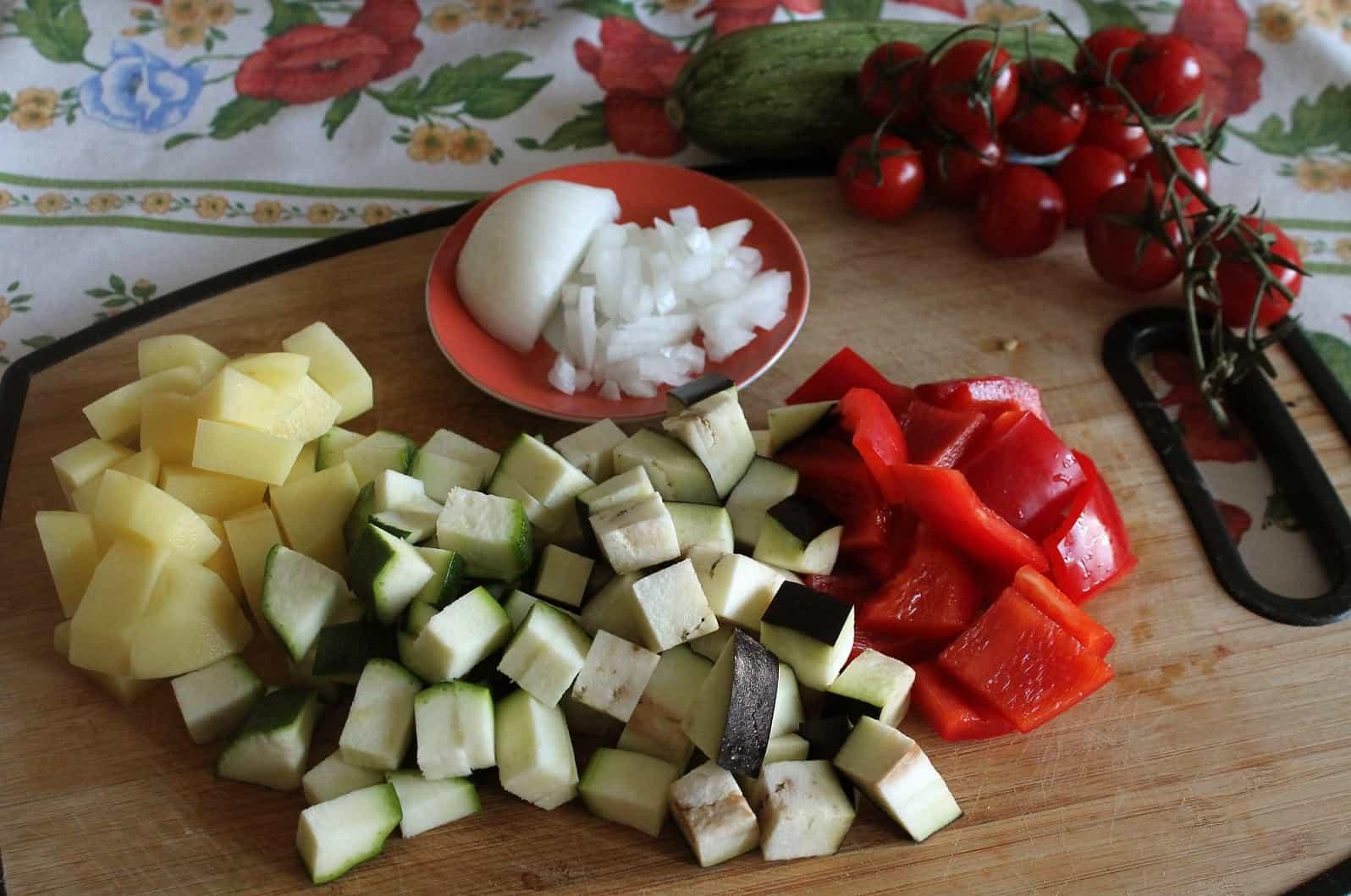 taglio verdure a cubetti